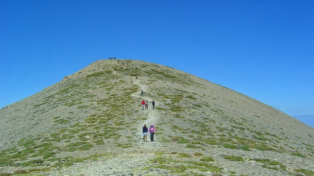 A walk to the highest summit of Crete. For a holy purpose!