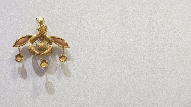 "The famous Minoan ""Bees"""