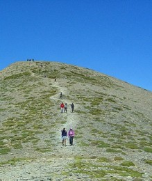 The walk to the summit of Psiloritis